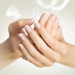 Maniküre|Handpflege|Handpeeling|Handcreme|Handmaske|Handmassage|Naglepflege|brüchige Nägel|weiche Nägel|Wellness Maniküre|